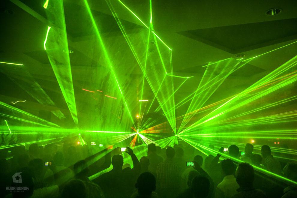 eventy realizowane w hotelu - pokaz laserów