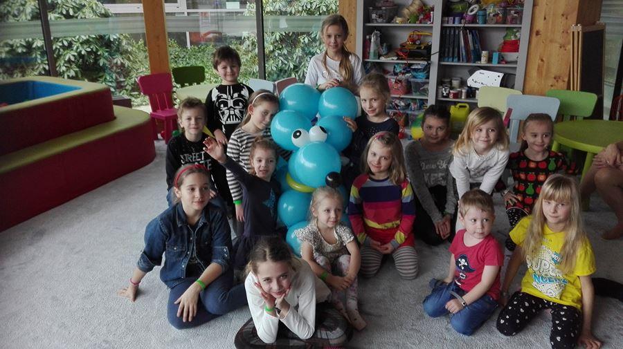 animacje balonowe z dziećmi w hotelu