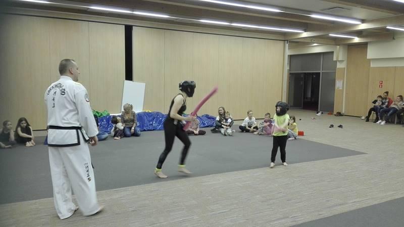 zajęcia taekwondo w hotelu dla dzieci