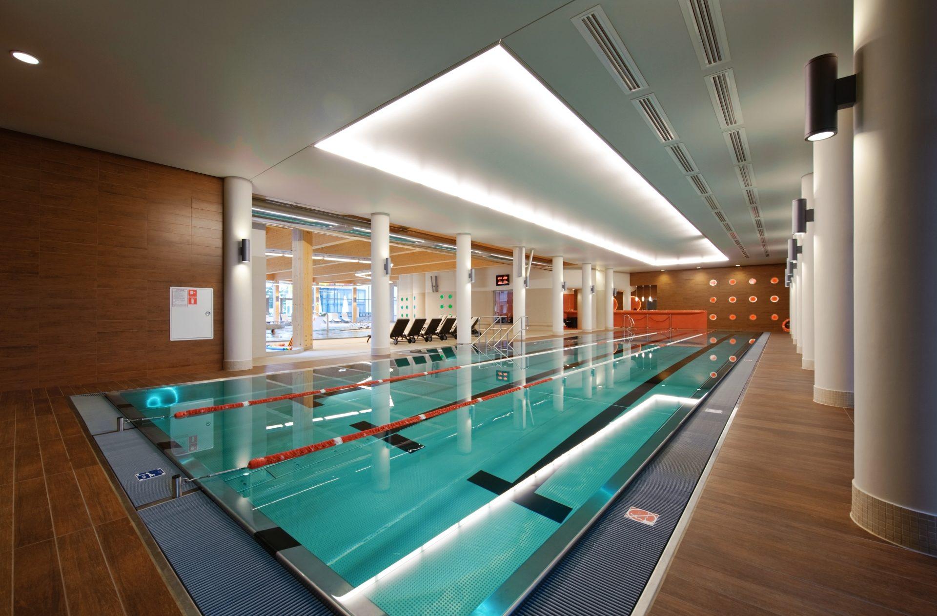 basen sportowy w hotelu