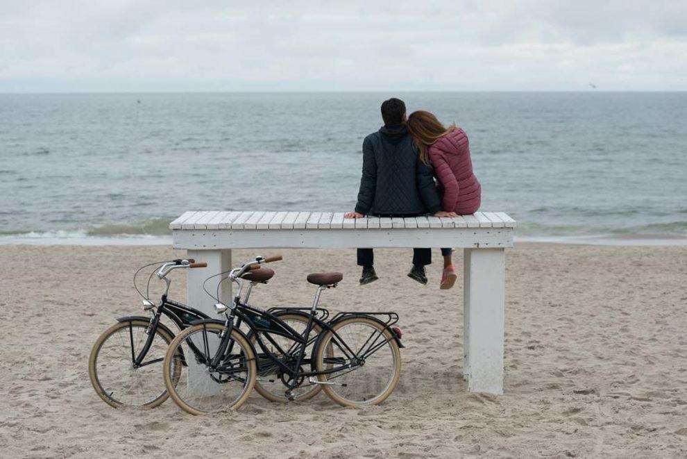 romantyczne chwile nad morzem