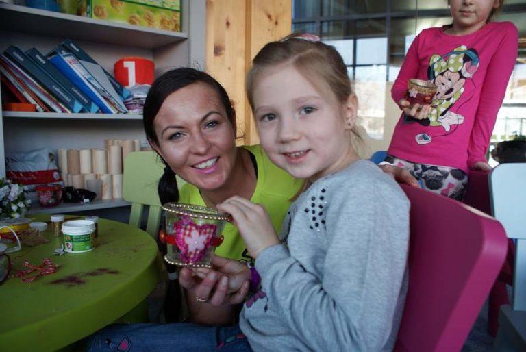 prace ręczne kształcą dzieci w hotelu AQUARIUS SPA