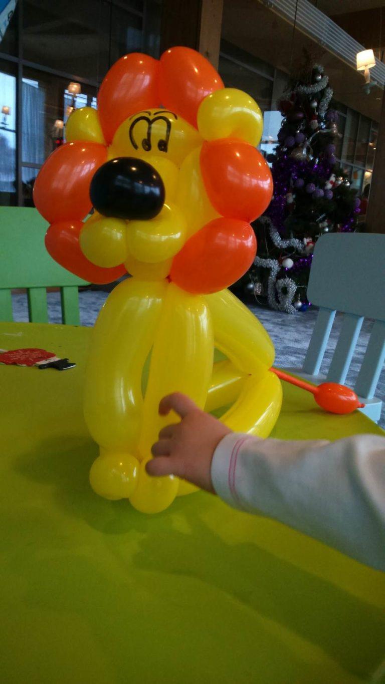 balonowy lew - tego uczę się dzieci podczas ferii