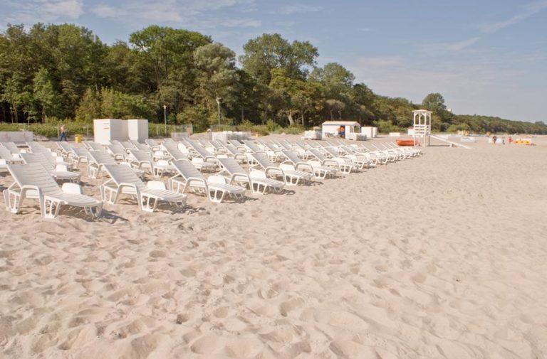 hotelowa plaża w Kołobrzegu