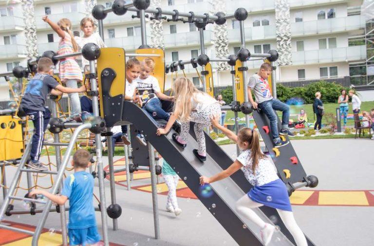 Nowy plac zabaw dla dzieci