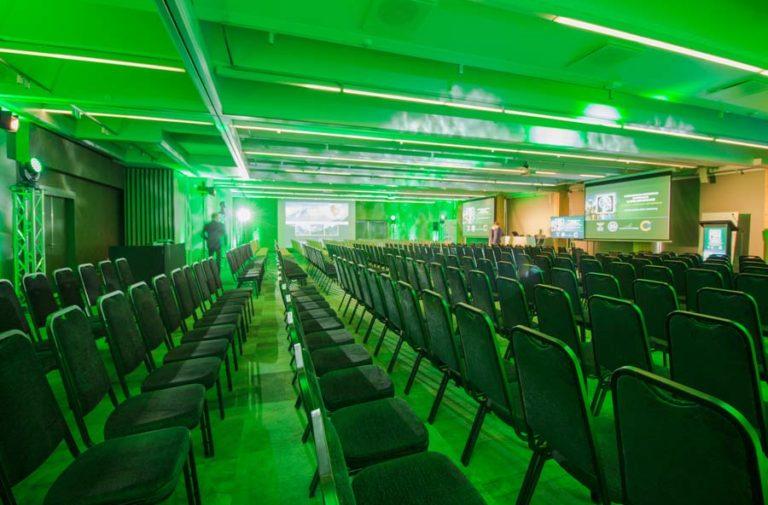 Sala Laguna w ustawieniu kinowym
