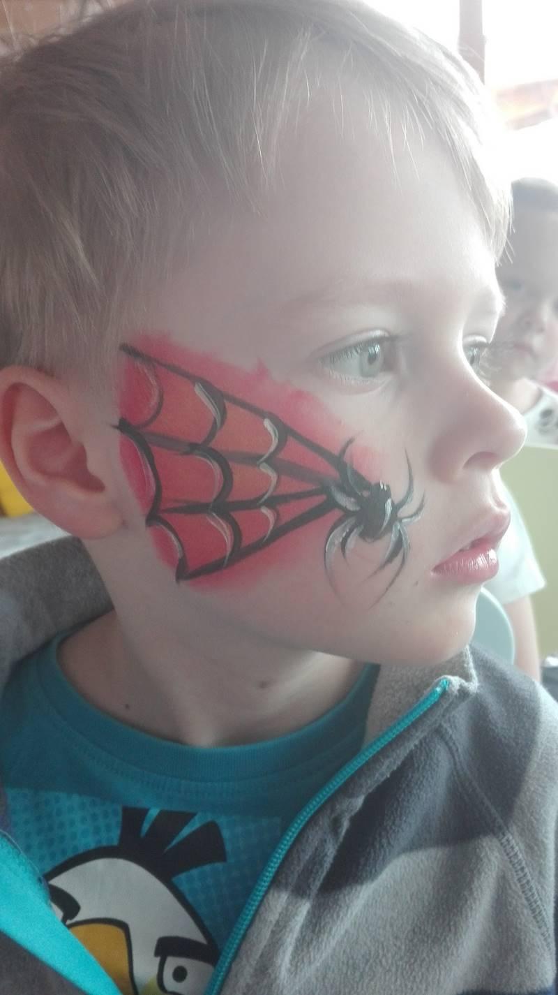 malowanie buzi dziecka - spider-man
