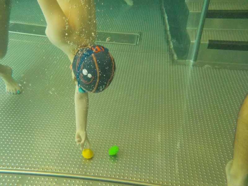 zabawa w basenie