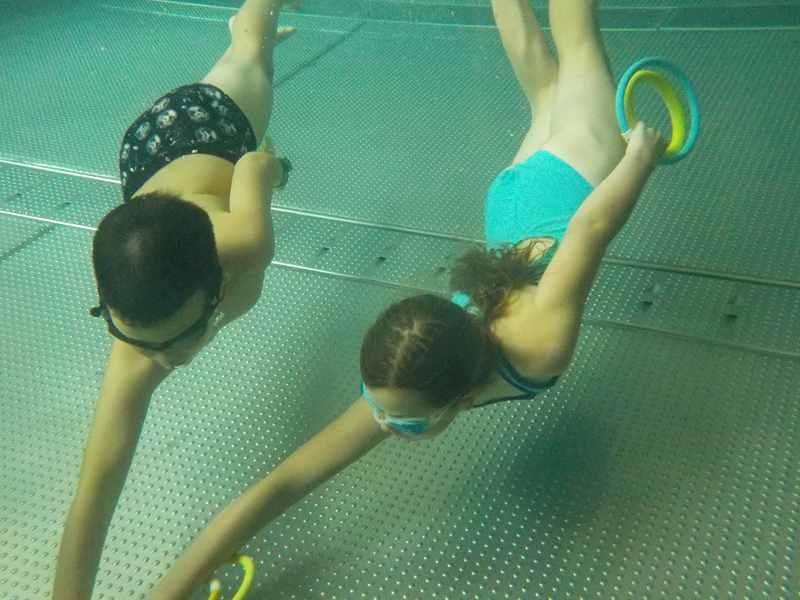 nurkowanie w basenie - zajęcia dla dzieci