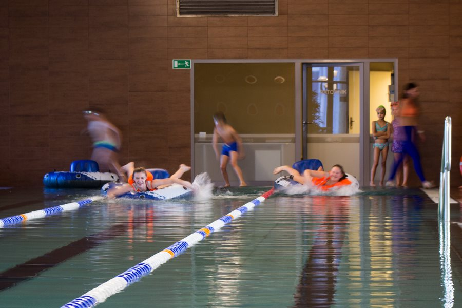 konkursy pływackie dla dzieci podczas wypoczynku w hotelu