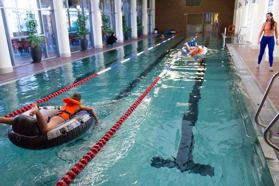 zawody pontonowe dla dzieci w hotelu
