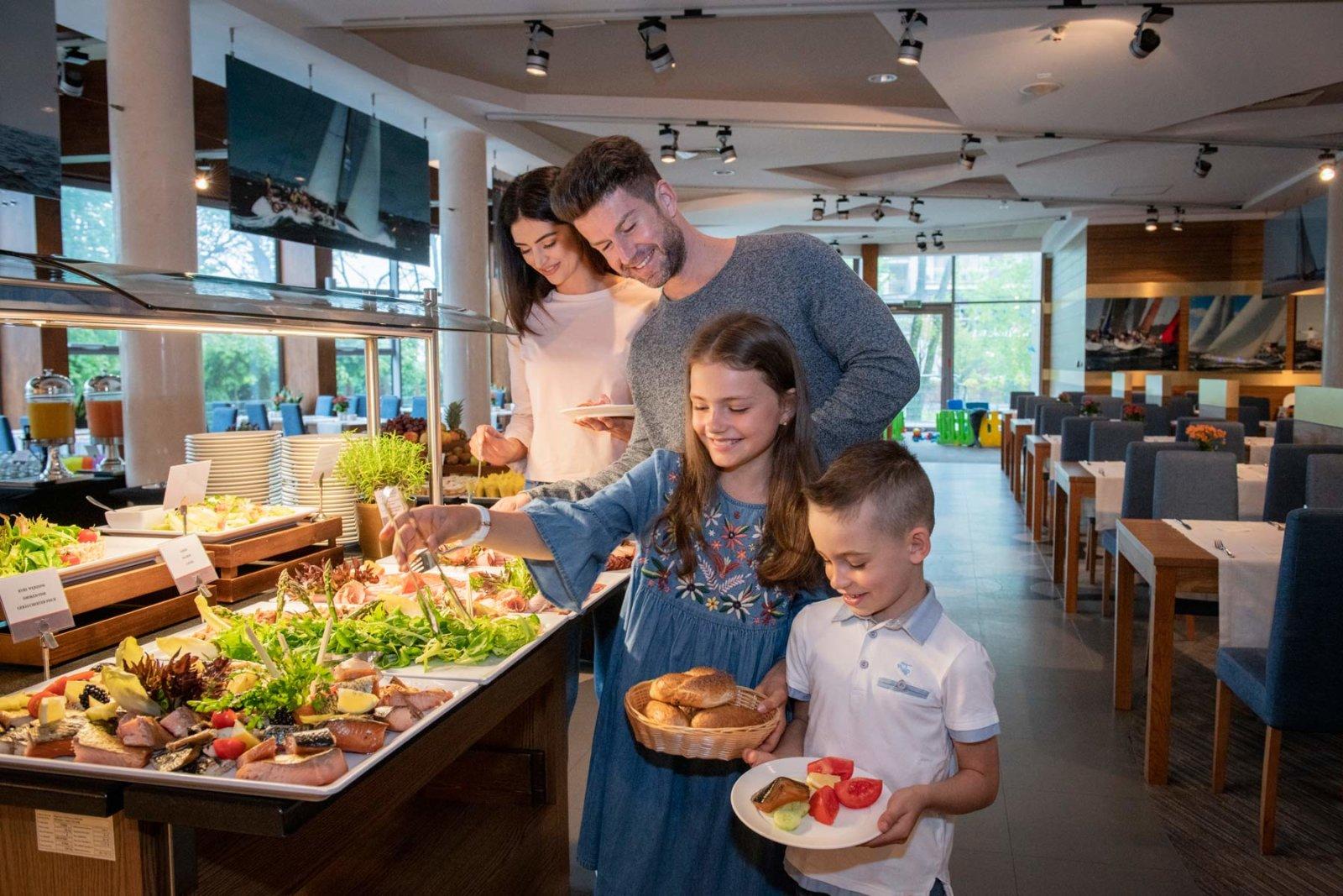posiłki bufetowe w hotelu AQAURIUS SPA