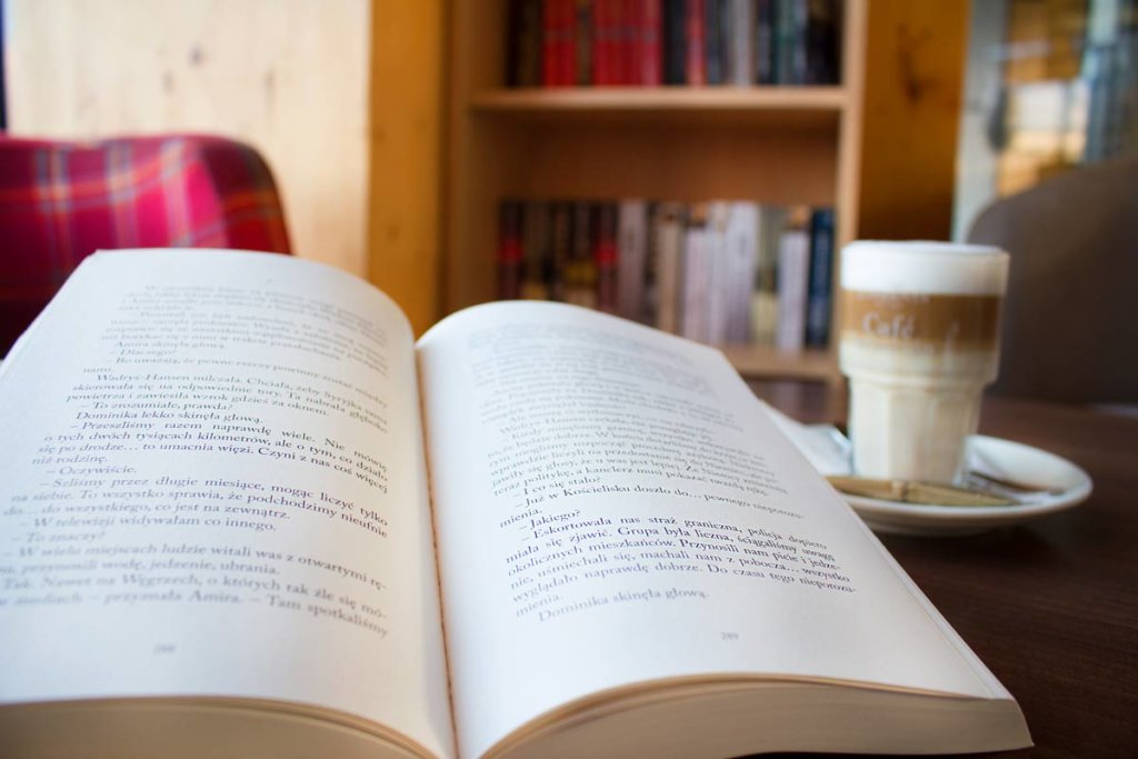 biblipteczka w Hotelu AQAURIUS SPA