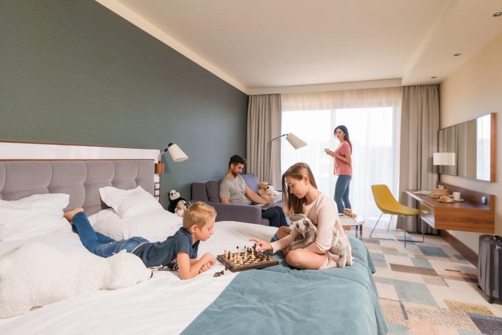 duże rodzinne pokoje w hotelu